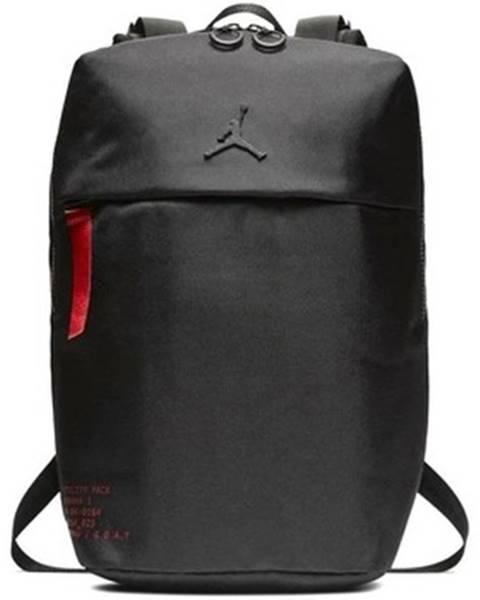 Čierny batoh Nike