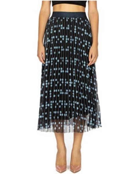 Čierna sukňa Anonyme