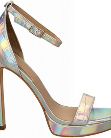 Strieborné sandále Guess