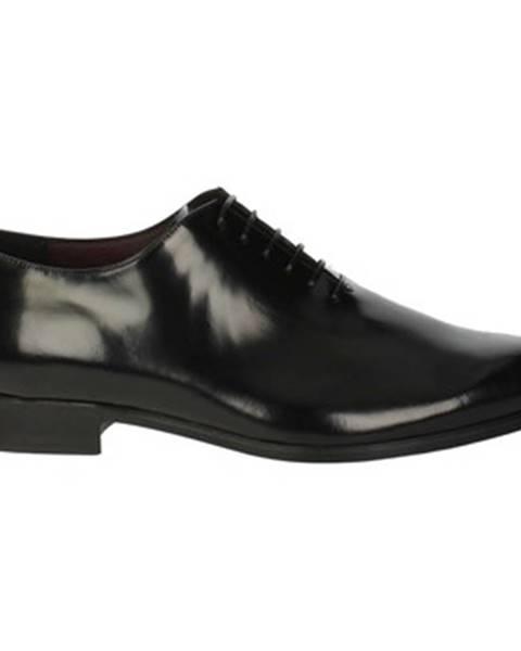 Čierne topánky Antonio Di Maria