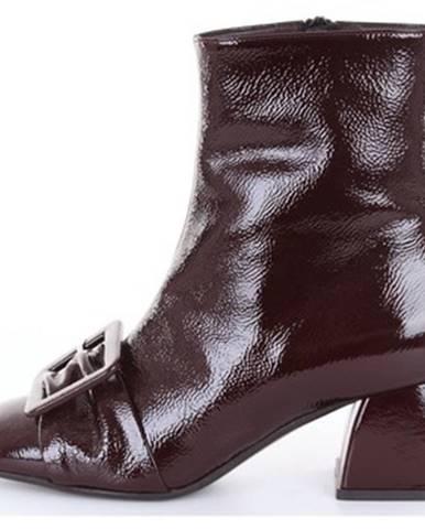 Červené topánky Yosh
