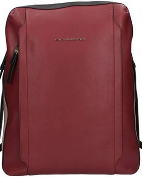Červený batoh Piquadro