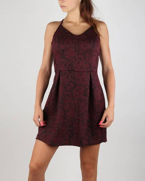 Červená sukňa Superdry